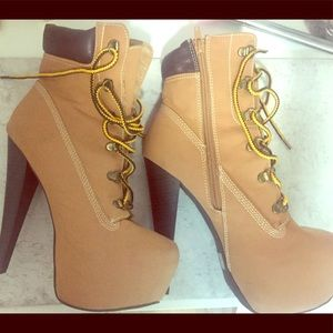 Shoes - Timberland styles heel boots